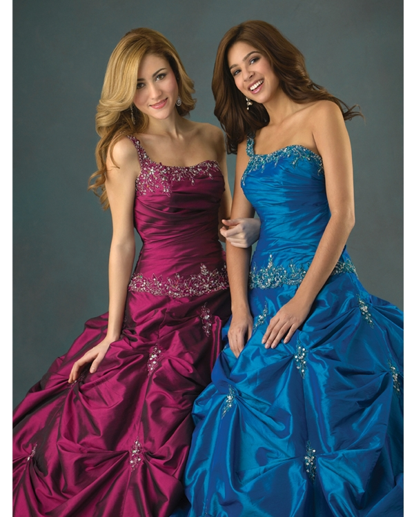 Mulberry One Shoulder Sweatheart Full Length Ball Gown Quinceanera Dresses With White Appliques