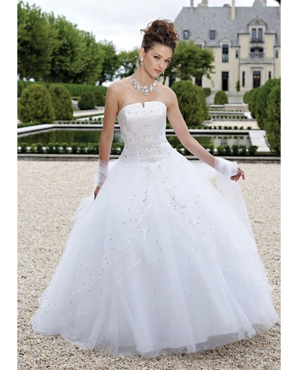 White Strapless A Line Floor Length Tulle Quinceanera Dresses With Ruffles And Sequins