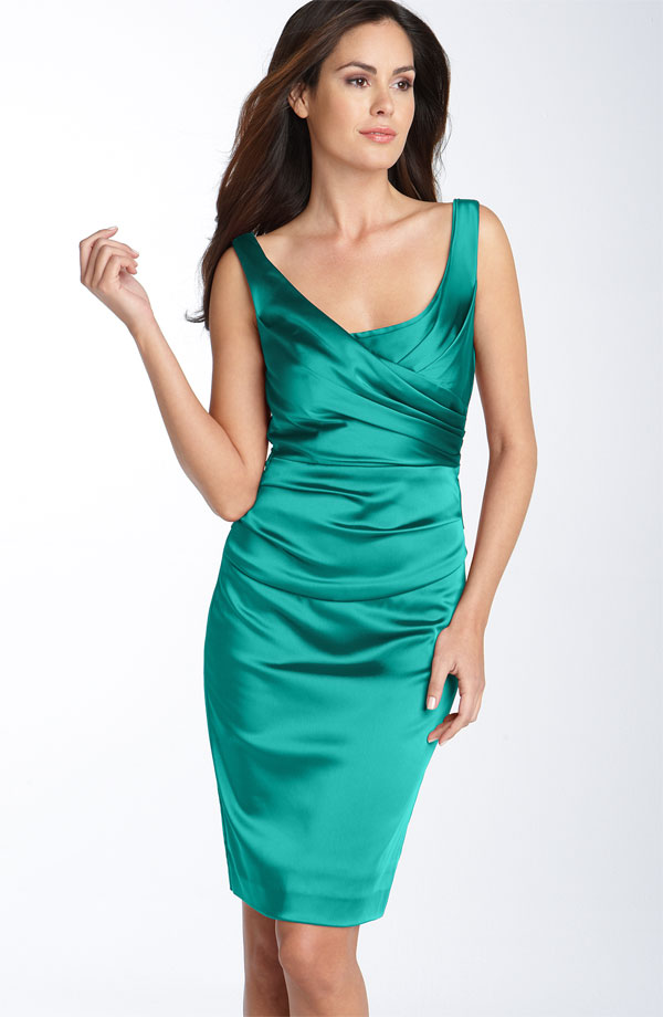 Green Column Scoop Knee Length Zipper Satin Bridesmaid Dresses