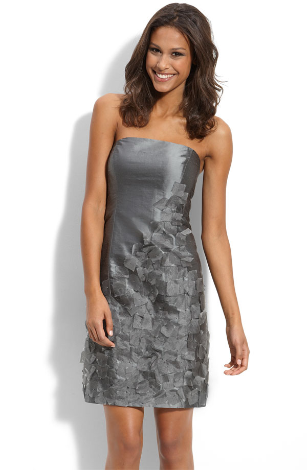 Knee Length Zipper Grey Column Strapless Bridesmaid Dresses With Ruffles