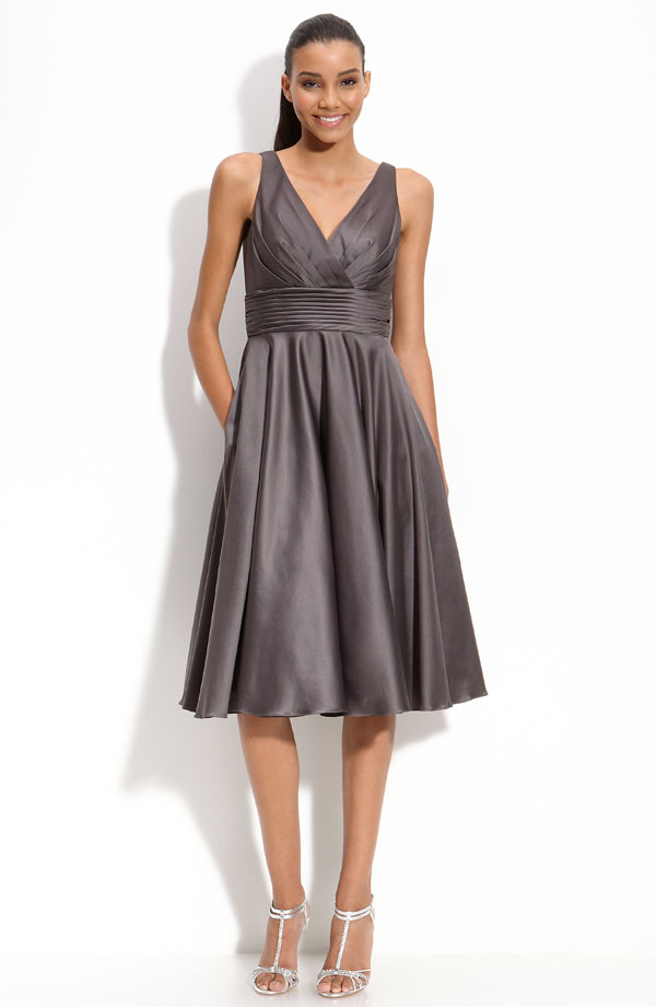 Dark Grey A Line V Neck And Sleeveless Zipper Knee Length Pleated Satin Prom Dresses